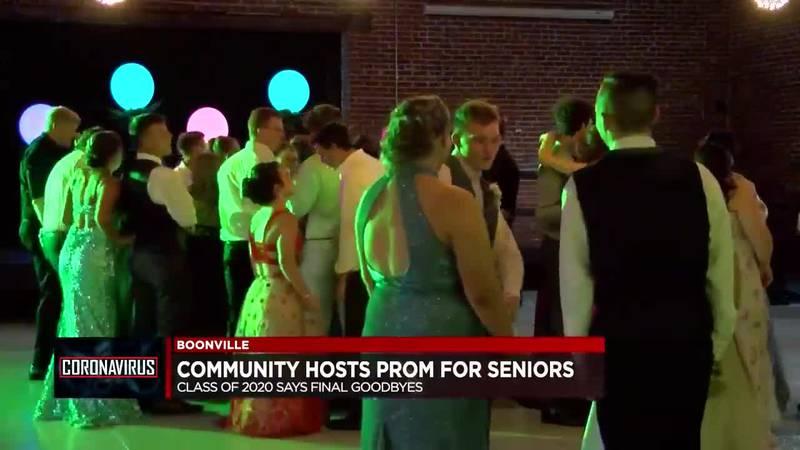 Community holds prom for Boonville seniors
