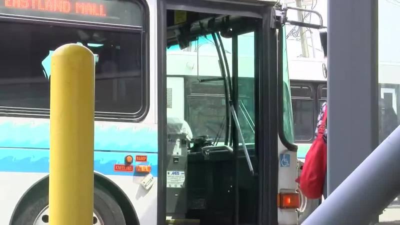 Evansville opens mobile vaccine clinic in METS bus