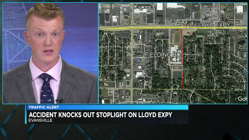 Stoplight out on Lloyd Expressway