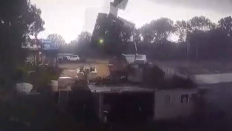 Caught on video: Teen hurt as roof rips of shed during storm in Gibson Co.