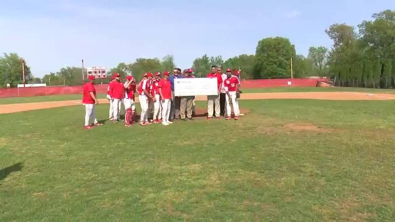 Bosse baseball program receives donation from ETFCU
