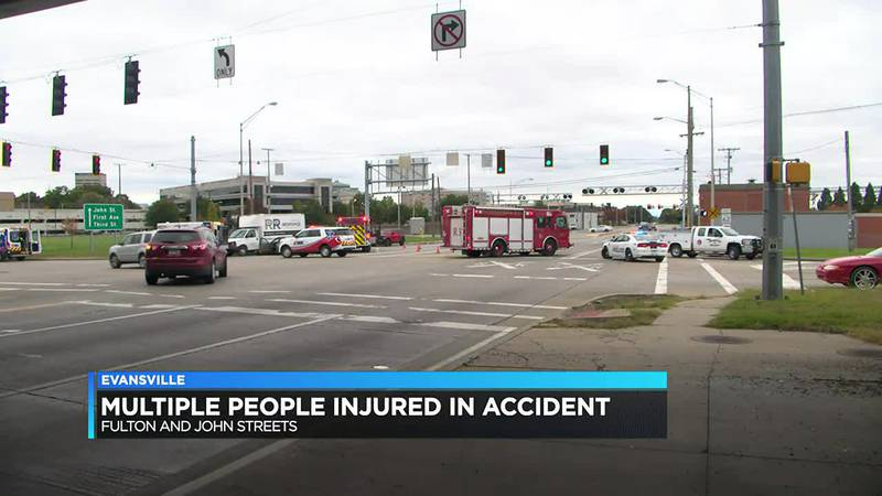 Crash closes Fulton in downtown Evansville