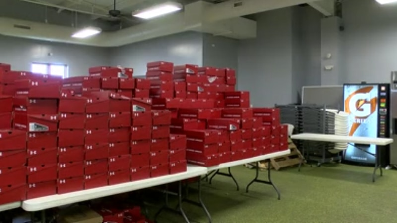 Owensboro nonprofit giving away over 5K pairs of women's sneakers