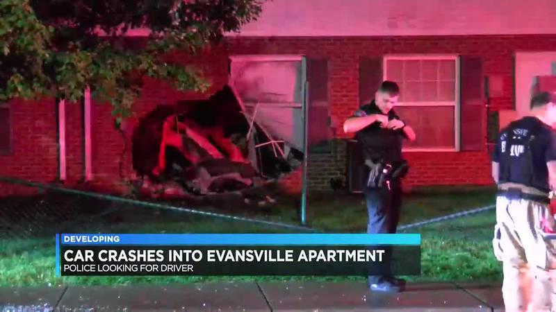 Car crashes into Evansville apartment building
