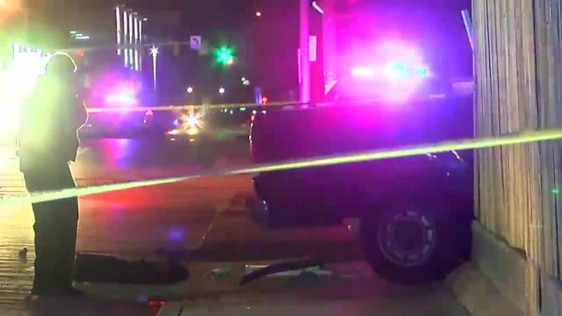 Police: 1 person killed in early morning shooting in Evansville