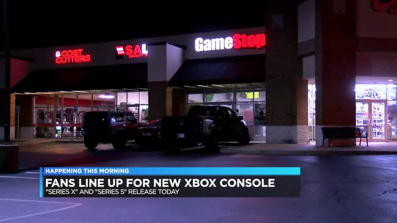 Fans line up for new Xbox console