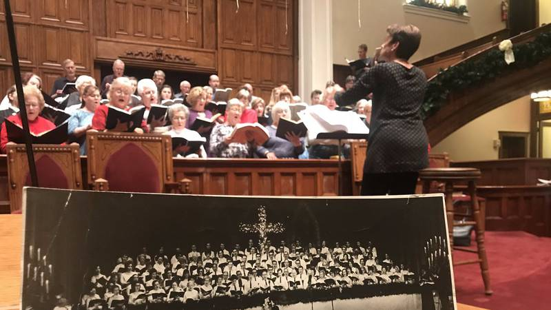 Owensboro Choral Society practices the Messiah