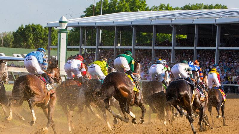 Here's a quick breakdown of how you can watch live horse racing from Churchill Downs on WAVE 3...