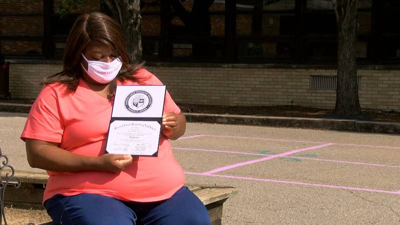 Evansville teen earns diploma before losing battle with COVID-19