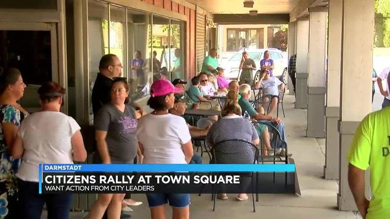 Citizens rally on town square following misappropriations in Darmstadt