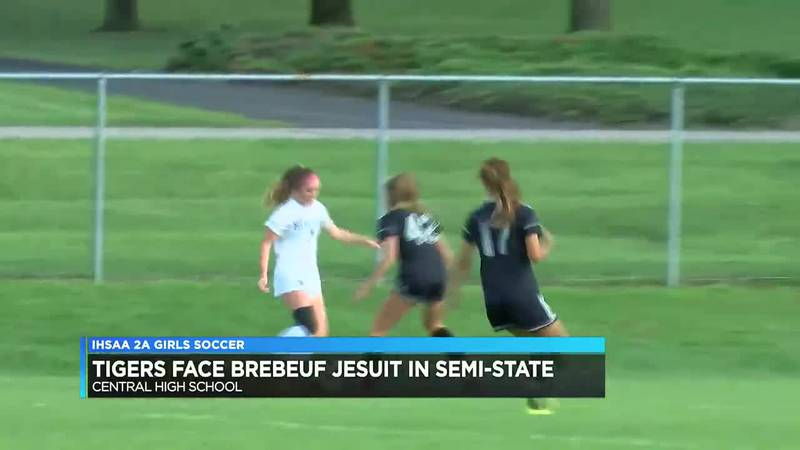 Memorial girls soccer advances to semi-state after 17th regional championship