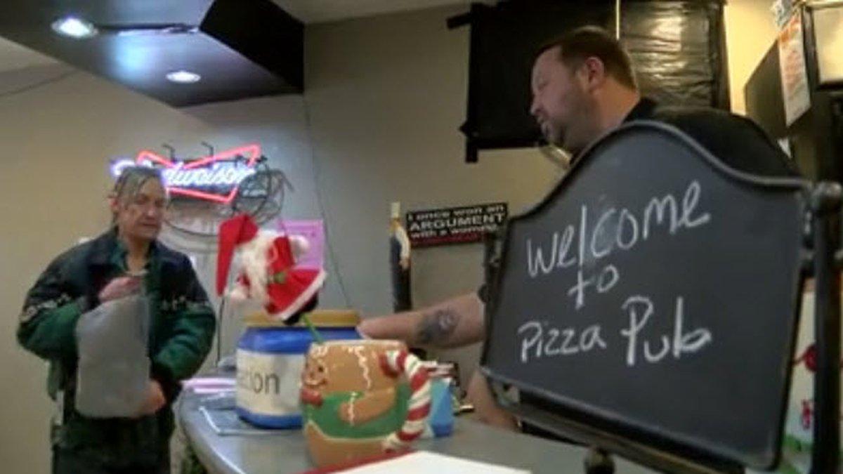 A brand new pizza pub wasn't slinging pizza pies, but pumpkin pies and turkey on Thanksgiving...